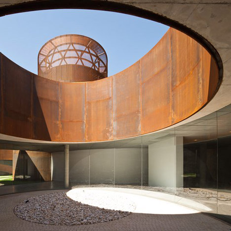 Alvar Aalto Medal 2015 awarded to Spanish architects Fuensanta Nieto and Enrique Sobejano