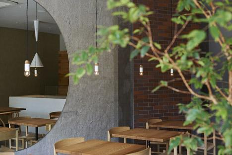 Ito-biyori-cafe-by-Ninkipen-Osaka-Japan_dezeen_468_3