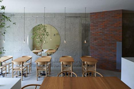 Ito-biyori-cafe-by-Ninkipen-Osaka-Japan_dezeen_468_7