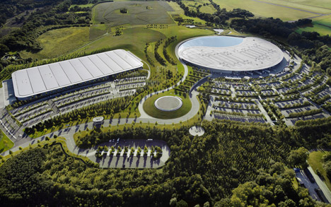 McLaren-Production-Centre-Foster-Partners_dezeen_468_0