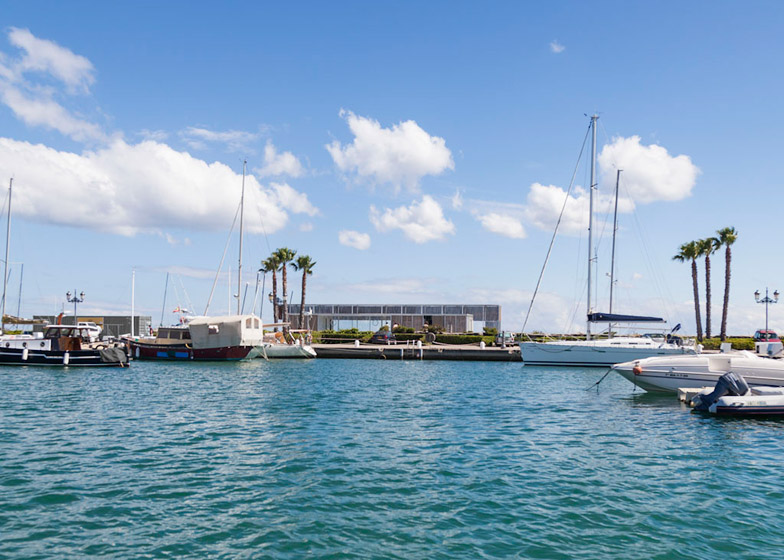 Sailing school in Sotogrande by Hector Fernandez