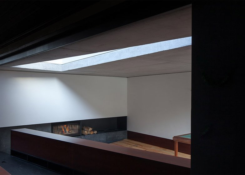Sala em Pala, Portugal by Nuno Melo Sousa Architect