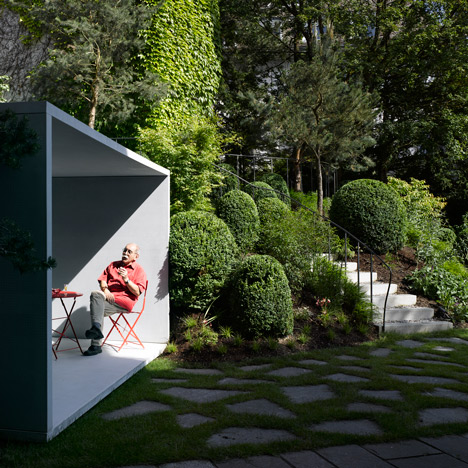 Smoking Pavilion by Gianni Botsford