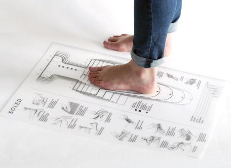 Soled-tyre-footwear-by-Jena-Kitley-Alani-Fadzil-and-Lauren-Joseph_dezeen_468_2
