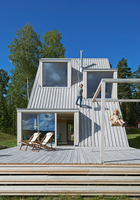 Summer house in Sweden by Leo Qvarsebo