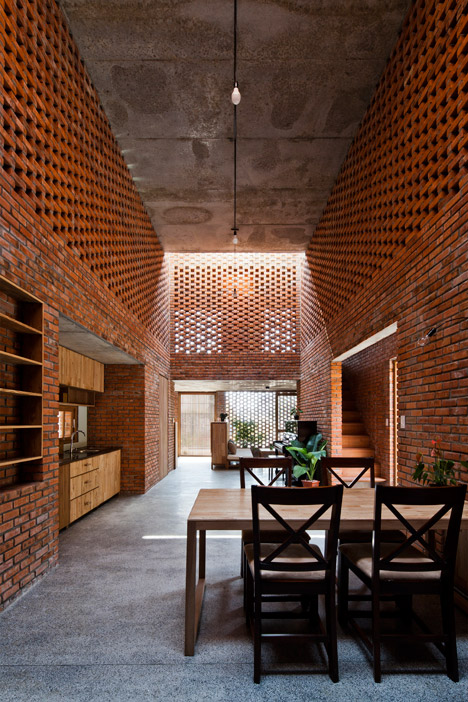 The Termitary House by Tropical Space