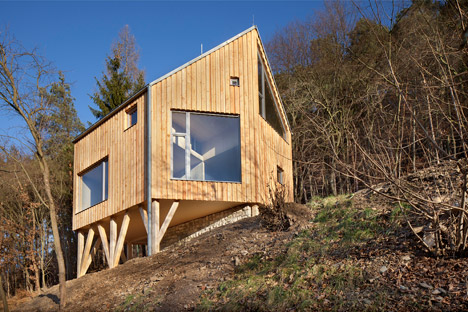 Wooden-Cabin-by-A-LT-Architekti_dezeen_468_1