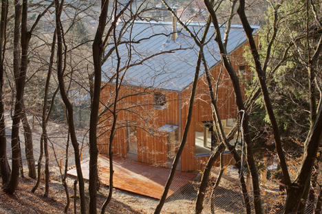 Wooden-Cabin-by-A-LT-Architekti_dezeen_468_2