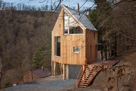 Wooden-Cabin-by-A-LT-Architekti_dezeen_468_4