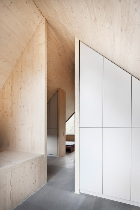 Wooden-Cabin-by-A-LT-Architekti_dezeen_468_9