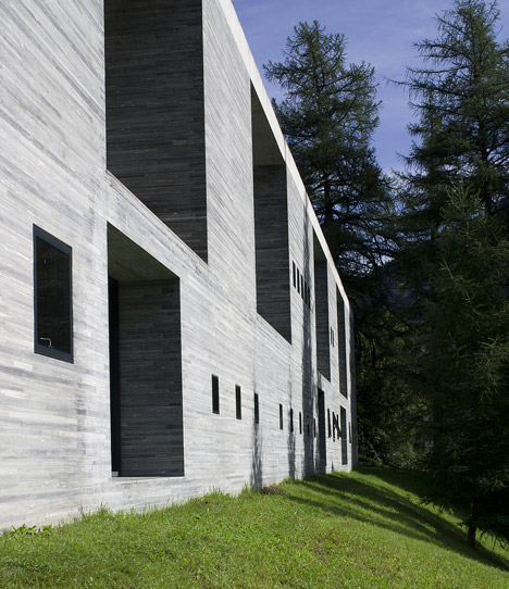 Jury distances itself from morphosis appointment for vals for Design hotel vals