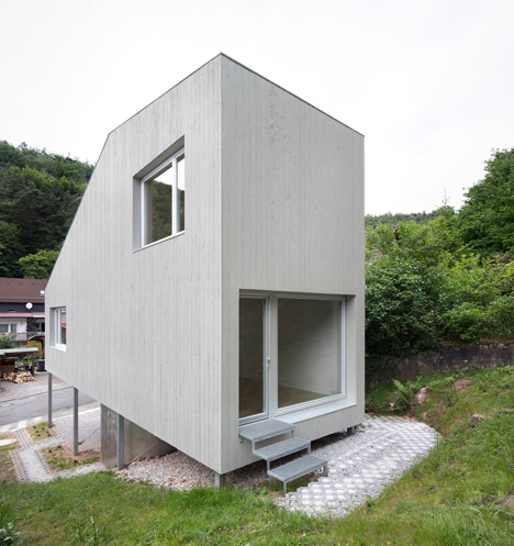 micro house by architekturb ro scheder is raised up on stilts. Black Bedroom Furniture Sets. Home Design Ideas