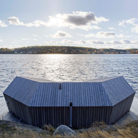 Pine-clad sauna by Murman Arkitekter sits on the Stockholm archipelago