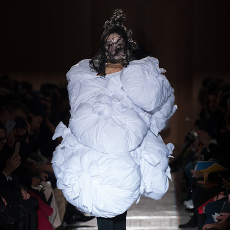 Comme des Garçons swaddles models in fabric cocoons for Autumn Winter 2015