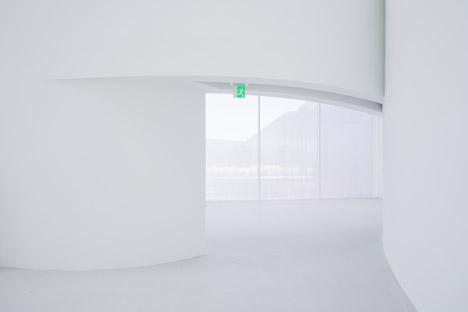 Corning-Museum-of-Glass-by-Thomas-Phifer-and-Partners-photo-credit-Iwan-Baan-b_dezeen_468_0