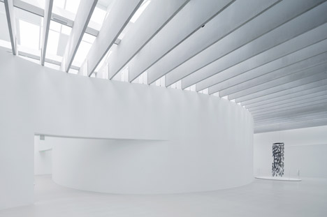 Thomas Phifer adds white wing to Corning Museum of Glass