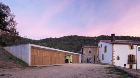 Farm surroundings by Arnau Vergés