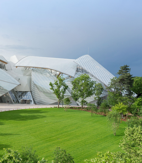 Fondation Louis Vuitton building by Frank Gehry