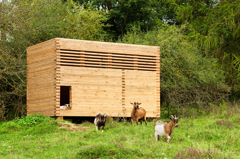 Goat barn in Bavaria by Kühnlein Architektur
