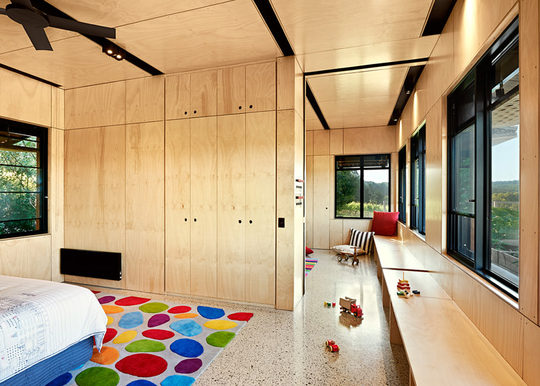 Kids Pod by Mihaly Slocombe