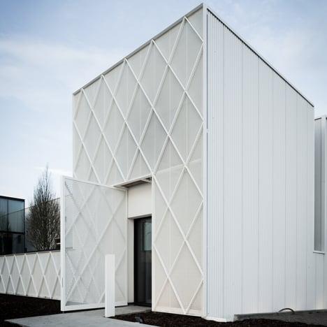Lootens Line Office by CAAN Architecten