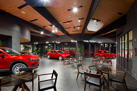 Mazda Showroom by Supose Design Office