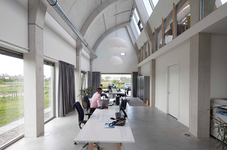 Office Building by B+O Architectuur