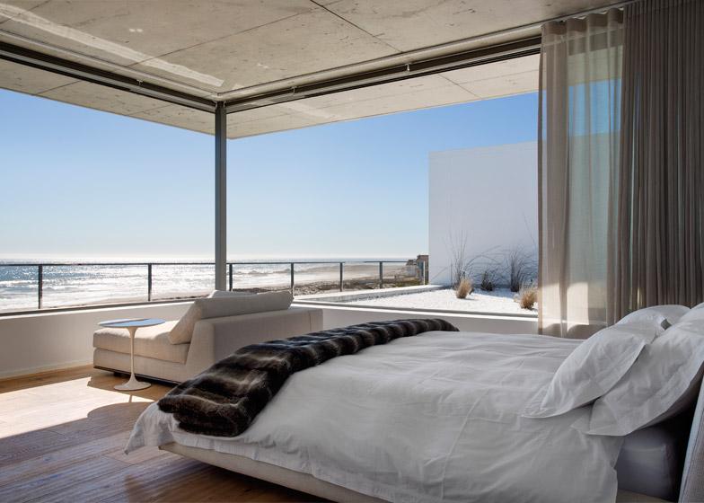 Pearl Bay Residence by Gavin Maddock Design Studio