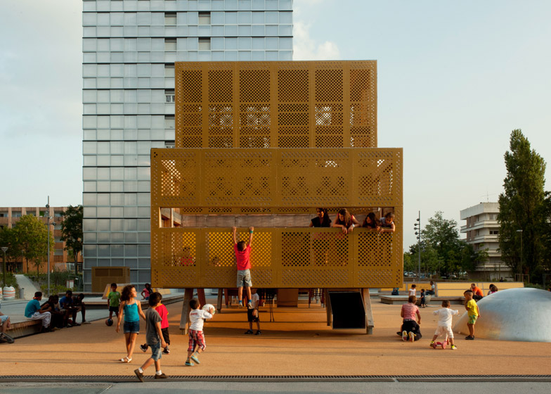 Playground in Génicart Sud by BASE