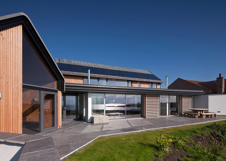 Mid Rock House, Elie, by WT Architecture