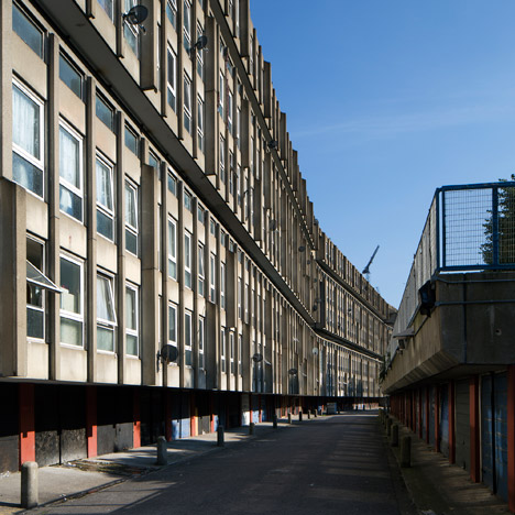 "Richard Rogers calls for architects to help save ""exceptional"" Robin Hood Gardens"