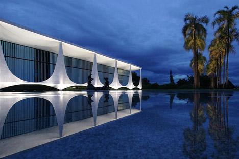 Oscar Niemeyer facade informs cross-shaped concrete vase