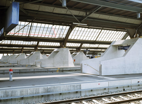 Zurich-main-train-station-by-Durig_dezeen_468_3