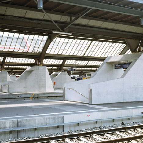 Zurich-main-train-station-by-Durig_dezeen_SQ01