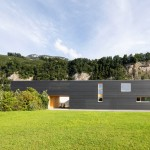 Juri Troy Architects creates 37-metre-long house and studio in the Rhine Valley