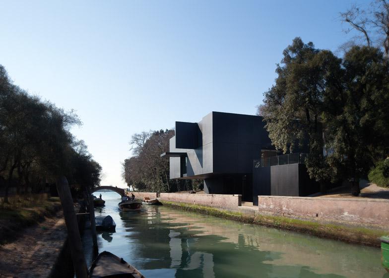 Australian Venice Pavilion by Denton Corker Marshall