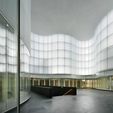"David Chipperfield disowns Milan museum over ""war of the floor"""