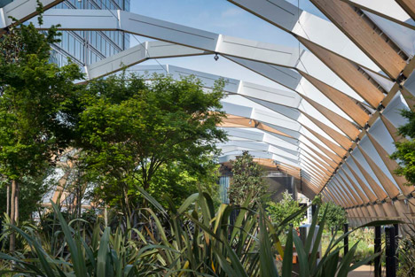 Crossrail Place at Canary Wharf by Foster + Partners
