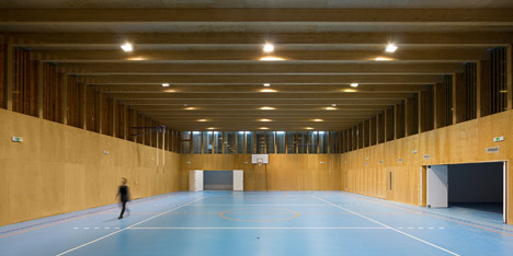Elementary School Sports Hall by Jovan Mitrović