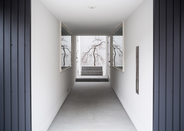 Kouichi Kimura\'s Framing House combines home and gallery
