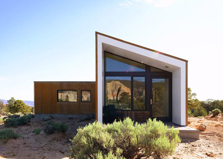 Imbue Design creates a rusty orange dwelling in the Utah desert