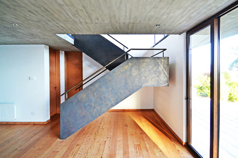 House-Chile-Alvaro-Arancibia-Sebastian-Coll_dezeen_468_4