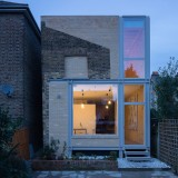 Remodelled London house extension reveals the outline of its predecessor