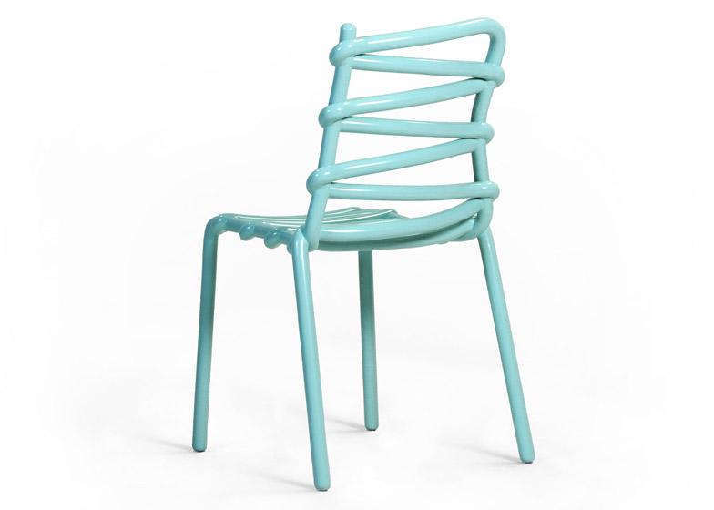 Markus johansson uses d printed model to create loop chair
