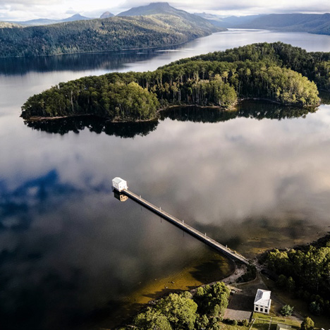 Cumulus Studio converts an Art Deco pump house into a hotel on a Tasmanian lake