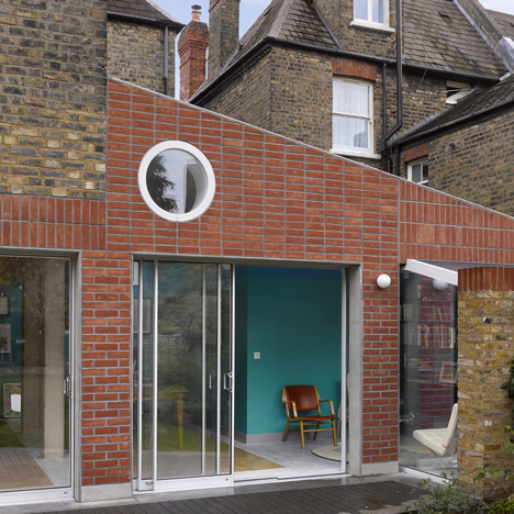 David Kohn's Sanderson House extension conceived as a fox in the garden