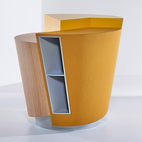 StandTable is a circular podium designed by UNStudio to replace office desks