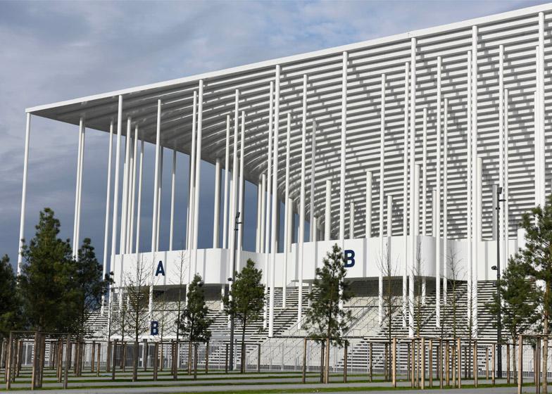http://static.dezeen.com/uploads/2015/05/Bordeaux-Stadium_Herzog_de-Meuron_dezeen_784_1.jpg