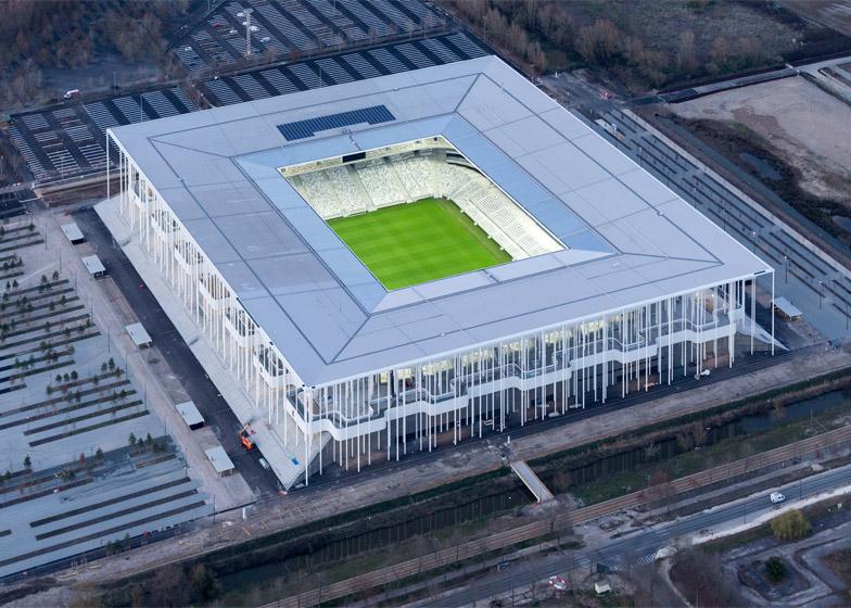 http://static.dezeen.com/uploads/2015/05/Bordeaux-Stadium_Herzog_de-Meuron_dezeen_784_5.jpg