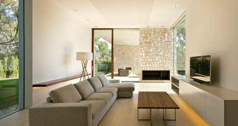 Casa El Bosque by Ramon Esteve Estudio